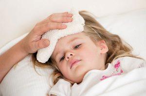 Trẻ nhỏ dễ mắc bệnh viêm đường ruột do sử dụng nước bị ô nhiễm lâu ngày