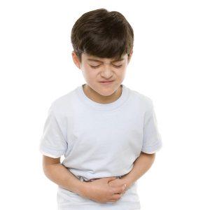 Trẻ nhỏ mắc bệnh thương hàn sẽ bị sốt kéo dài, gây nhiều biến chứng nguy hiểm