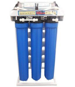 Máy lọc nước công nghiệp giúp nước trong sạch, làm mềm nước, diệt vi khuẩn, ngăn cản ảnh hưởng của các nhân tố độc hại