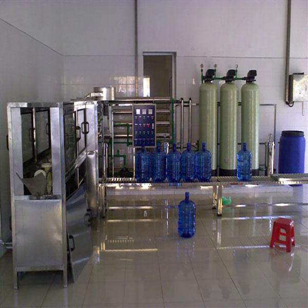 Nhiều người tiêu dùng tìm kiếm mua máy lọc nước giá rẻ giúp tiết kiệm tối đa chi phí