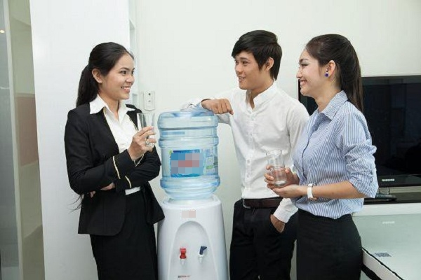 máy lọc nước được thiết kế nhỏ gọn sẽ giúp tiết kiệm diện tích